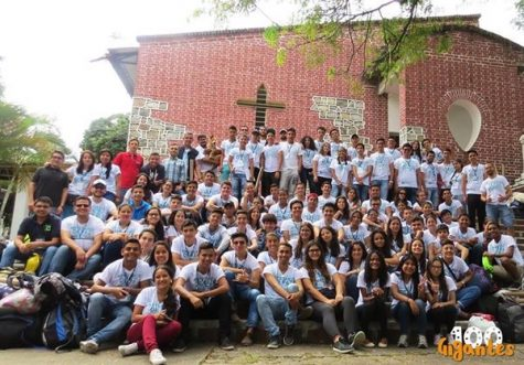 The writer and her La Salle classmates on vacation in Gigante, Huila (Colombia), celebrating the Holy Week.